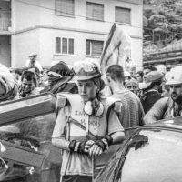 Proteste contro il summit del G8, Genova luglio 2001. Venerdì 20 luglio, corteo dei Disobbedienti. Nella foto un giovanissimo Pablo Iglesias, futuro leader di Podemos. Corso Europa.