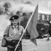 Proteste contro il summit del G8, Genova luglio 2001. Venerdì 20 luglio, corteo dei Disobbedienti. Via Tolemaide.