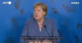 """Colletto verde, Merkel: """"Non prenderemo la strada proposta dalla Francia, quindi non guadagneremo fiducia. Nessuna vaccinazione è obbligatoria"""