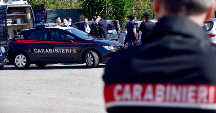 Napoli, donna uccisa in un parcheggio a Somma Vesuviana: il marito si costituisce