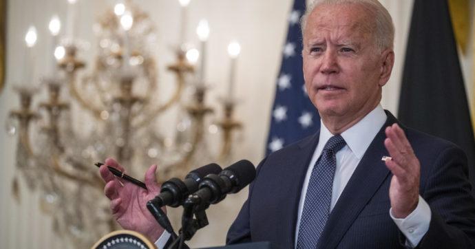 Usa, Biden vuole che il 50% delle auto immatricolate entro il 2030 siano elettrificate. Ma Senato e sindacati remano contro.