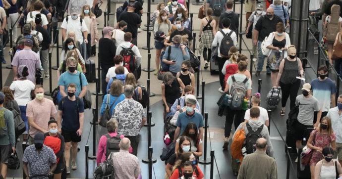 Covid, nuove strette di Francia e Uk per chi viaggia: Parigi chiede il tampone 24 ore prima, Londra ordina quarantena anche per vaccinati