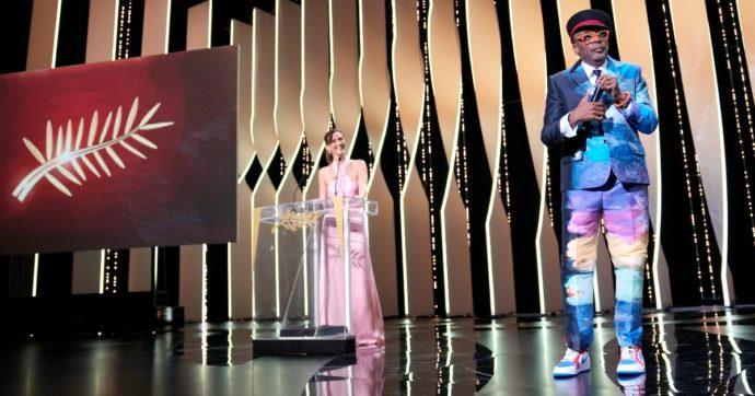"""Festival di Cannes, Titane di Julia Ducournau vince la Palma d'oro. Con il """"pasticcio"""" di Spike Lee che lo annuncia a inizio cerimonia"""