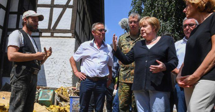 """Alluvioni Germania e Belgio, sono 183 i morti. Merkel nei luoghi del disastro: """"Abbiamo visto la forza della natura, fare di più sul clima"""""""