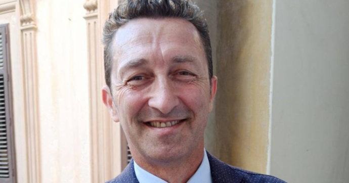Sicilia, deputato no-vax paragona il green pass al tatuaggio degli ebrei nei lager nazisti