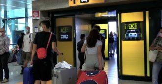"""Studenti bloccati a Malta, atterrati a Fiumicino i primi 58 che erano in quarantena: """"Partiti solo i negativi. Situazione gestita non benissimo"""""""