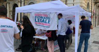 """Eutanasia legale, superate le 750mila firme per il referendum. Cappato: """"Anche a settembre tavolini in tutta Italia, sono le nostre 'sedi da marciapiede'"""""""