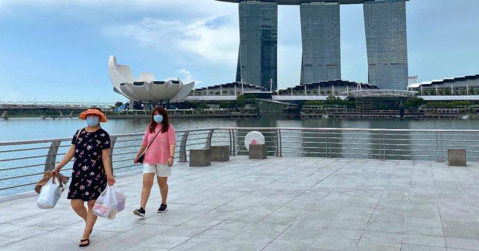"""Singapore pronto a smettere di conteggiare i contagi da Covid. Stop alla 'trasmissione zero': """"Grazie ai vaccini si può convivere col virus"""""""