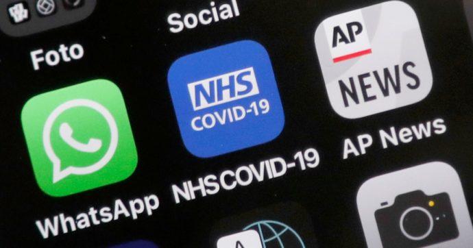 """Regno Unito, caos per il tracciamento che non funziona: la """"pingdemia"""" tra notifiche errate, industrie bloccate e governo senza idee"""