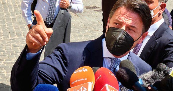Conte: 'Giù le mani dal reddito di cittadinanza. A Draghi chiedo posizione chiara. Renzi? Potere e ricchi contratti rendono insensibili'