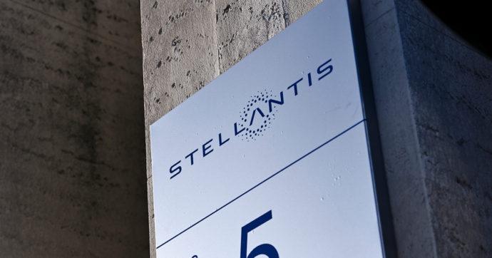 """Stellantis, 800 dipendenti in uscita con esodo incentivato. Fiom: """"È come se chiudesse una fabbrica di medie dimensioni"""""""