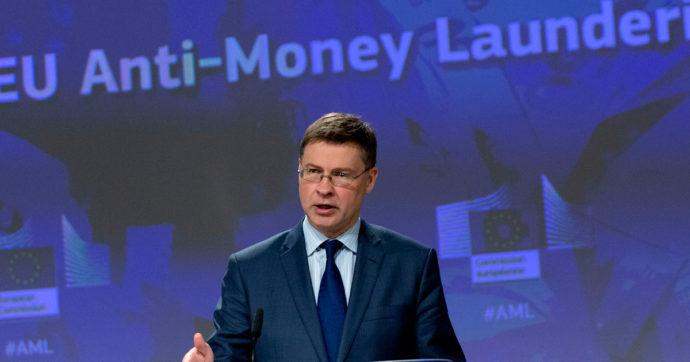 Ue, nuove norme contro riciclaggio e terrorismo. Le proposte della Commissione: un'autorità per il controllo e tetto ai contanti