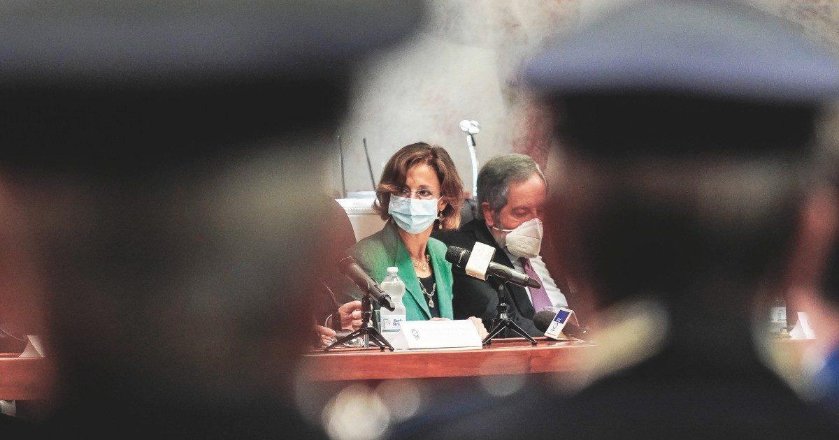"""Salvaladri, Gratteri e De Raho: """"È più conveniente delinquere"""""""