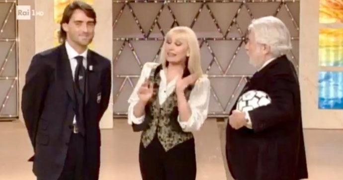 Carramba! Che sorpresa, quando Raffaella Carrà parlò con Roberto Mancini della Nazionale. L'augurio diventato realtà