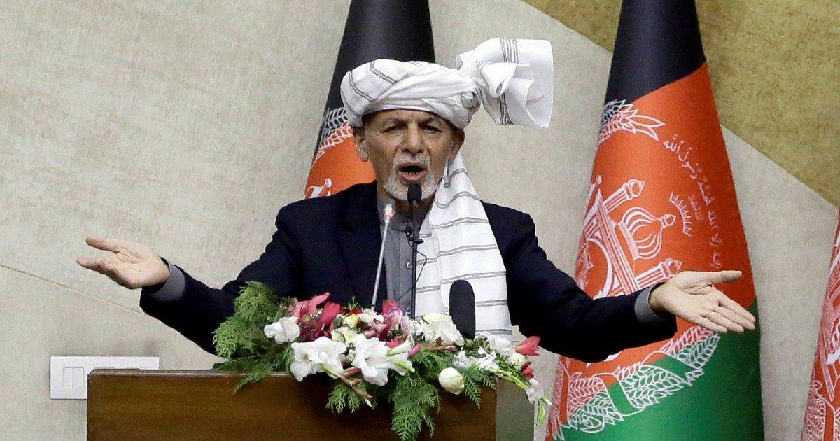 Gli ultimi giorni di Ghani, stretto tra Talebani e Isis