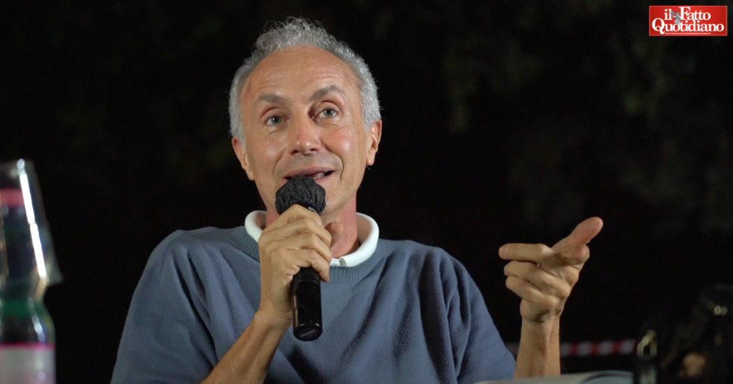 """Travaglio e il suo libro su Montanelli: """"Continua a dare scandalo come fosse ancora vivo, andava sempre controcorrente"""""""