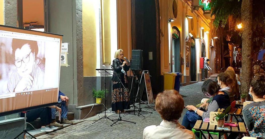"""""""Francesca e Nunziata"""", il romanzo cult sulla generazione di pastai a Torre Annunziata è introvabile: l'appello di una libreria e la sua comunità per la ristampa"""