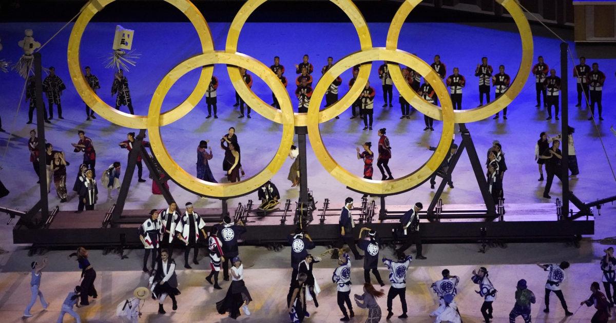 Le Olimpiadi iniziano per davvero: dopo le proteste, tra i giapponesi ora prevale l'emozione