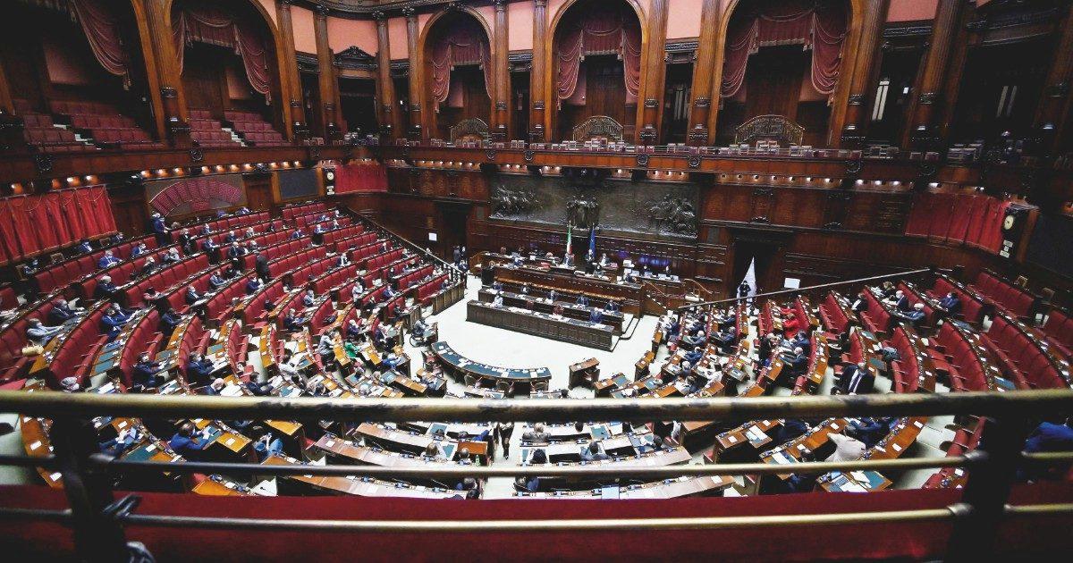 Tutti contro tutti in Commissione: il centrodestra minaccia battaglia