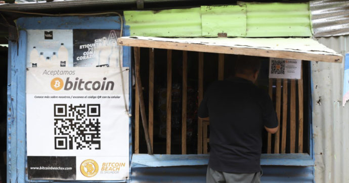 Sogno Amazon per il bitcoin, la valuta digitale sale a 40mila dollari su voci di un interessamento del colosso e-commerce