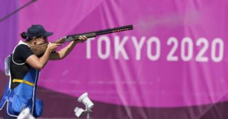 """Olimpiadi di Tokyo, tiro a volo: Diana Bacosi vince la medaglia d'argento. """"Dedicata a tutti gli italiani che hanno sofferto per la pandemia"""""""