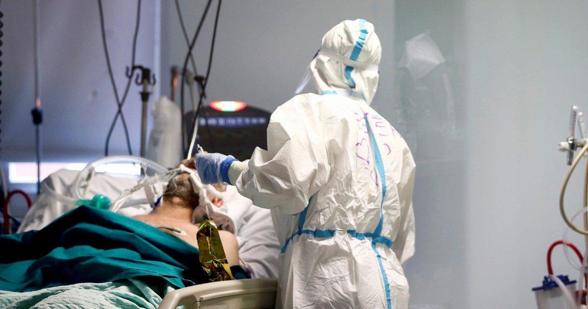 """Vaccinati oltre quota 30milioni. Iss: """"In ospedale va chi non lo è"""""""