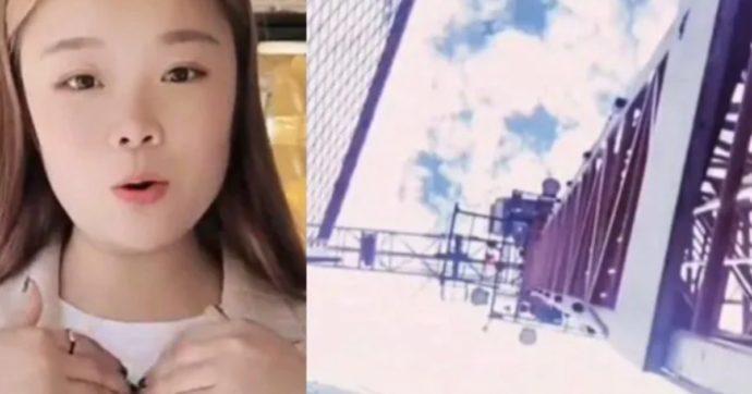 Cade da una gru mentre registra un video in diretta: la star di TikTok Xiao Qiumei muore a 23 anni dopo un volo di 43 metri nel vuoto