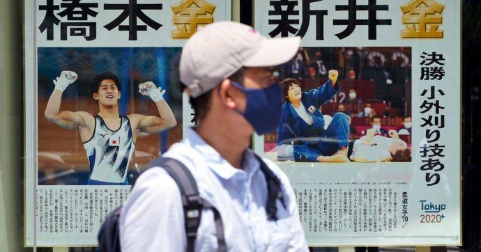 Covid, oltre 10mila contagi in Giappone: mai così tanti da inizio pandemia. In Cina 2 casi a Pechino dopo 6 mesi, isolata Nanchino