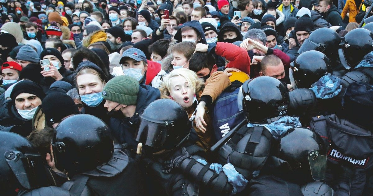 """""""Con la scusa del Covid, il Cremlino taglia fuori i candidati di Navalny"""""""