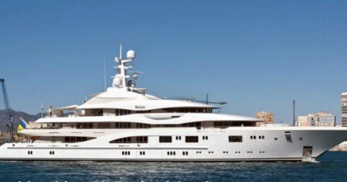 Jennifer Lopez e Ben Affleck a bordo di uno yacht di 84 metri (viva l'amore ma addio buon gusto e rispetto per l'ambiente)