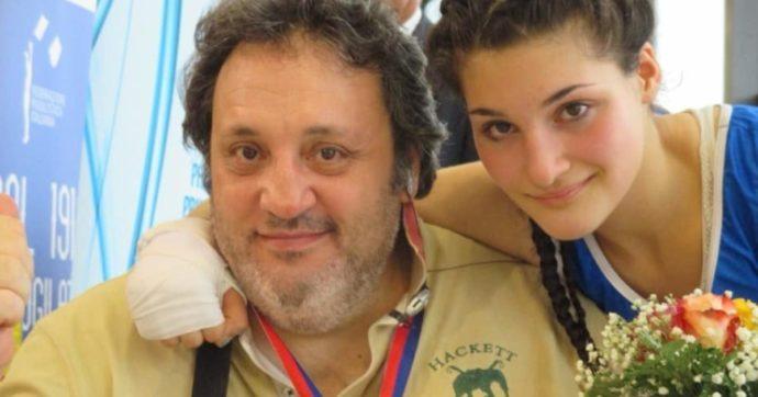 """Angela Carini, lutto per la pugile tornata dalle Olimpiadi: è morto il papà. Lei: """"Addio al mio grande eroe"""""""