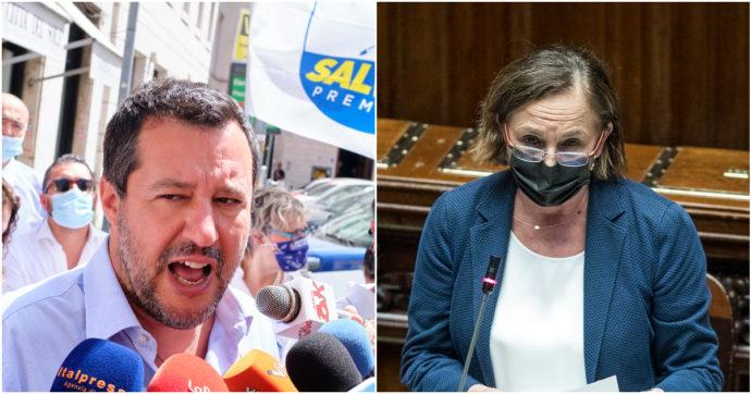 """Migranti, Salvini contro Lamorgese: """"Non sa fare il suo lavoro"""". E minaccia: """"Sostenere un governo che accetta gli sbarchi è un problema"""""""