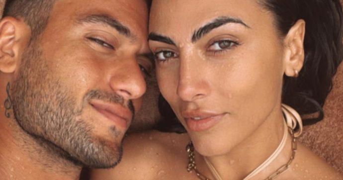 """Giulia Salemi e Pierpaolo Pretelli, la teoria in aeroporto a Ibiza: """"I vestiti usati e stropicciati pesano di più. Se metti magliette ben piegate la valigia pesa meno"""""""