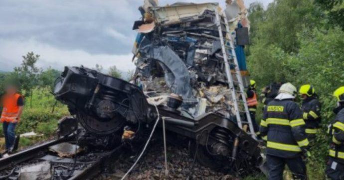 """Scontro fra treni in Repubblica Ceca: tre morti e decine di feriti. Ministro trasporti: """"Situazione grave"""""""