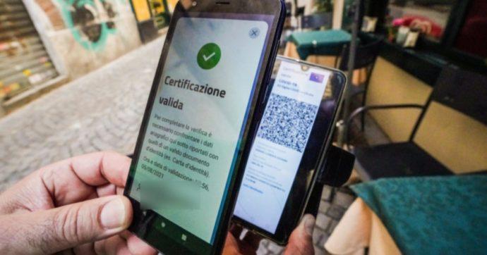 """Green pass, da oggi obbligo per bar e palestre. Salvini: """"Se dati migliorano, via restrizioni"""". Bonaccini: """"Avrei riaperto le discoteche"""""""
