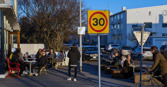Covid, il caso Islanda. Nel paese con più vaccinati al mondo sono tornate le restrizioni