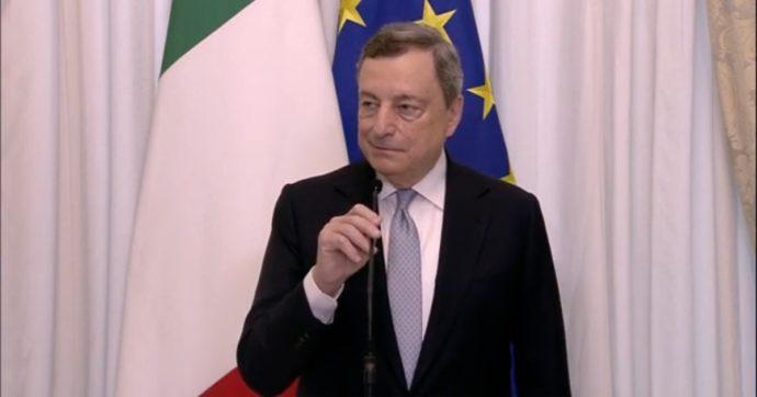 """""""Condivido il concetto alla base del Reddito di cittadinanza"""". Draghi blocca gli assalti dei partiti: """"È presto per parlare di riforma"""""""