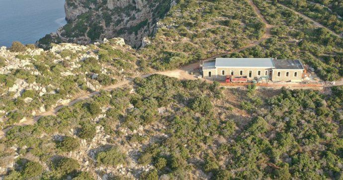 """Sardegna, il progetto per l'albergo nel parco naturale a punta Giglio e il """"trucco"""" della destinazione d'uso come semplice foresteria"""