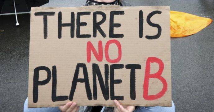 Il pianeta è agli sgoccioli eppure si continua a cianciare di sostenibilità senza capirne niente