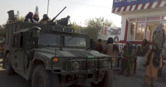 """Afghanistan, i Talebani conquistano Ghazni, 150 km dalla capitale. Usa lanciano l'allarme: """"Kabul potrebbe cadere entro 90 giorni"""""""