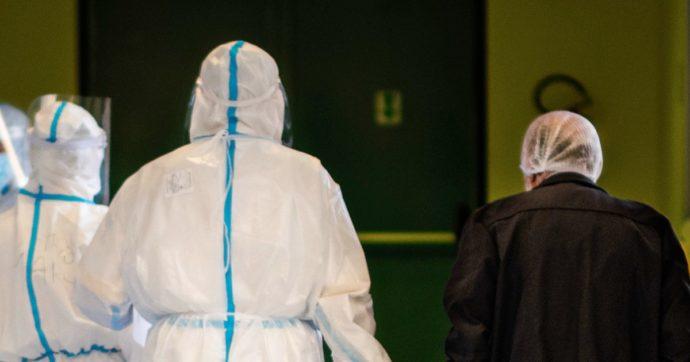 Dalla Liguria al Veneto, scattano centinaia di provvedimenti per sanitari non vaccinati. Il caso Sardegna: 700 senza neanche una dose