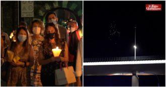 Ponte Morandi, tre fiaccolate ricordano le vittime della strage: 43 palloncini bianchi si alzano in cielo sopra il nuovo viadotto
