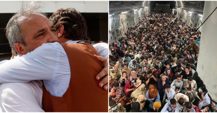 Afghanistan, le missioni di Usa e Stati europei per salvare connazionali e collaboratori. La foto simbolo: 640 profughi stipati su un cargo