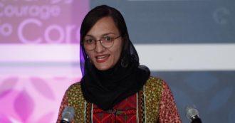 """""""Aspetto che i talebani vengano a uccidermi"""": le parole di Zarifa Ghafari, sindaca 27enne e attivista per i diritti delle donne in Afghanistan"""