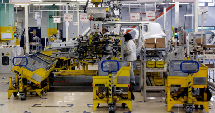 Toyota, Ford e Stellantis, nuovi stop alla produzione a causa della carenza di semiconduttori