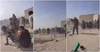 Afghanistan, raffica di spari davanti all'aeroporto di Kabul: in un video la folla e il rumore dei colpi