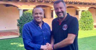 """Salvini posta una foto con Berlusconi a Villa Certosa: intesa per """"costruire una federazione"""""""