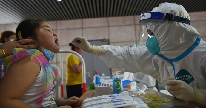 Covid, la Cina ha azzerato i contagi dopo focolaio di variante Delta all'aeroporto di Nanchino