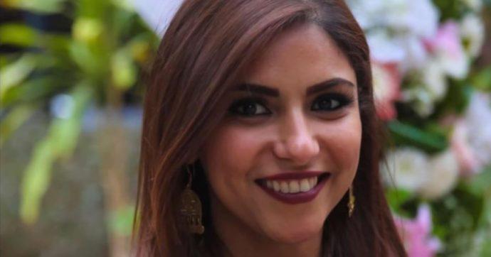 Depressa, senza forze e legata ai farmaci: ecco come è uscita la giornalista dissidente egiziana dalle prigioni di al-Sisi. 'Non riesco a lavorare'