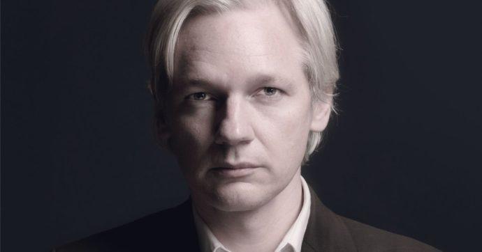 Julian Assange, perché la sua figura in Italia non è diventata cult? Eppure ne avremmo bisogno